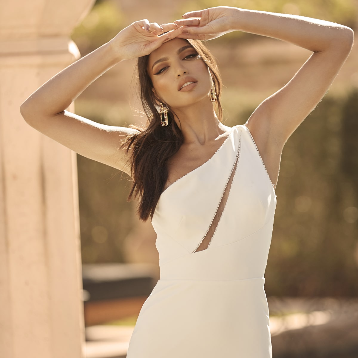 Less is More – Simple Wedding Dress Trend