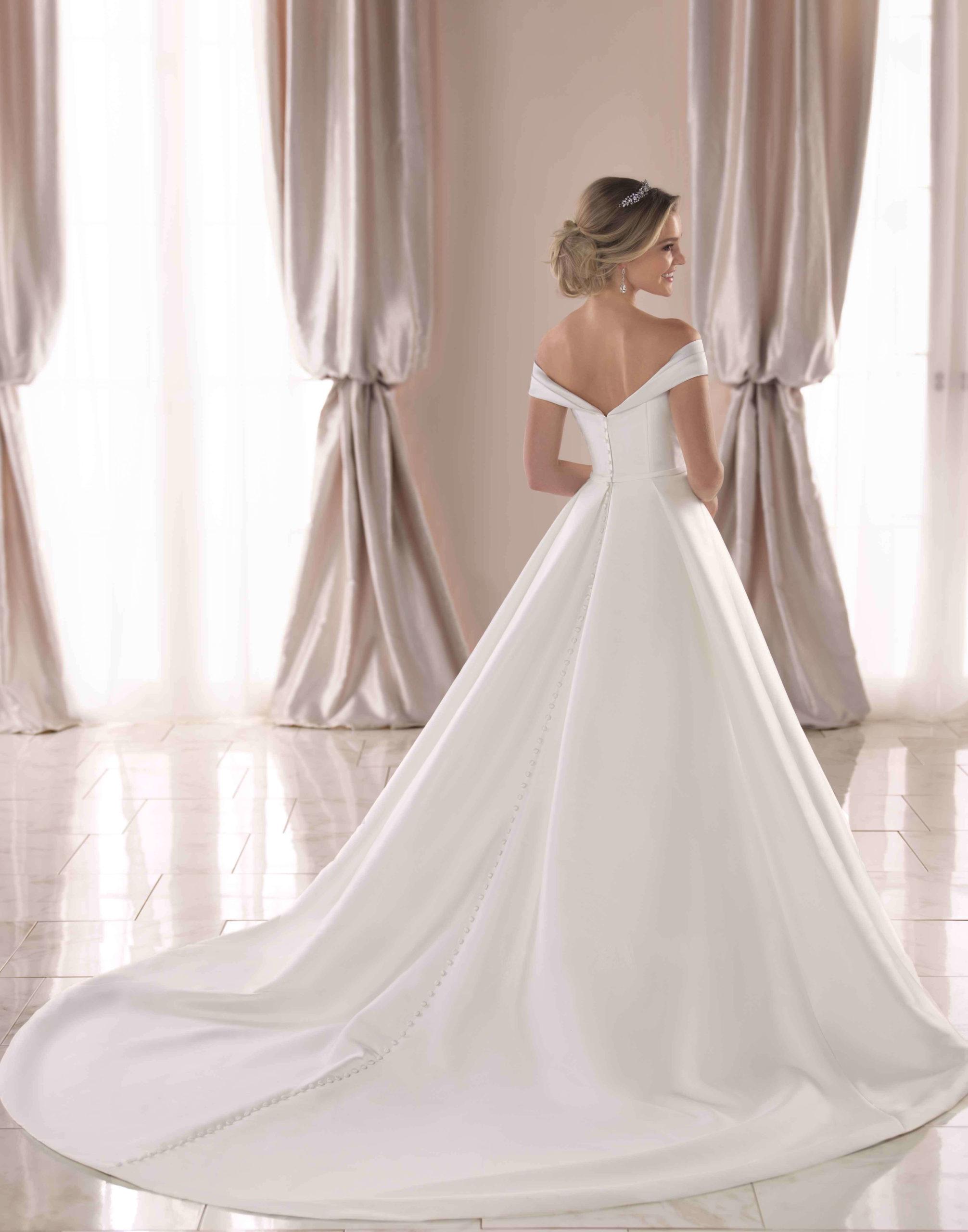 6865 – Stella York Wedding Dress Collection – Front View