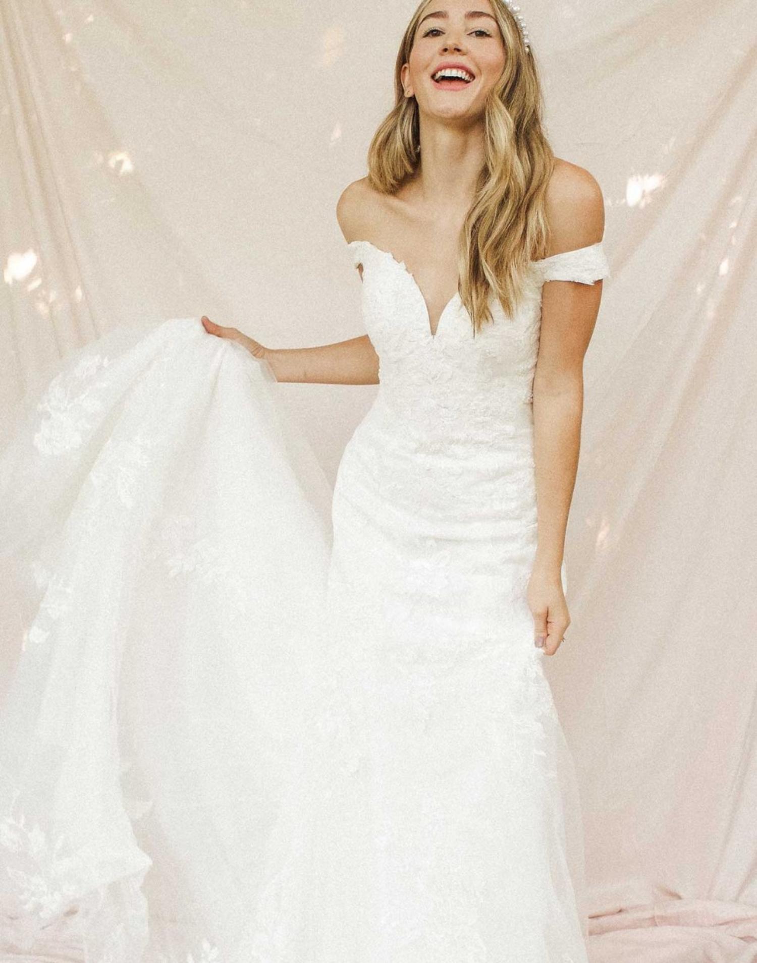 7266-wedding-dress-Stella-York-front-view-min