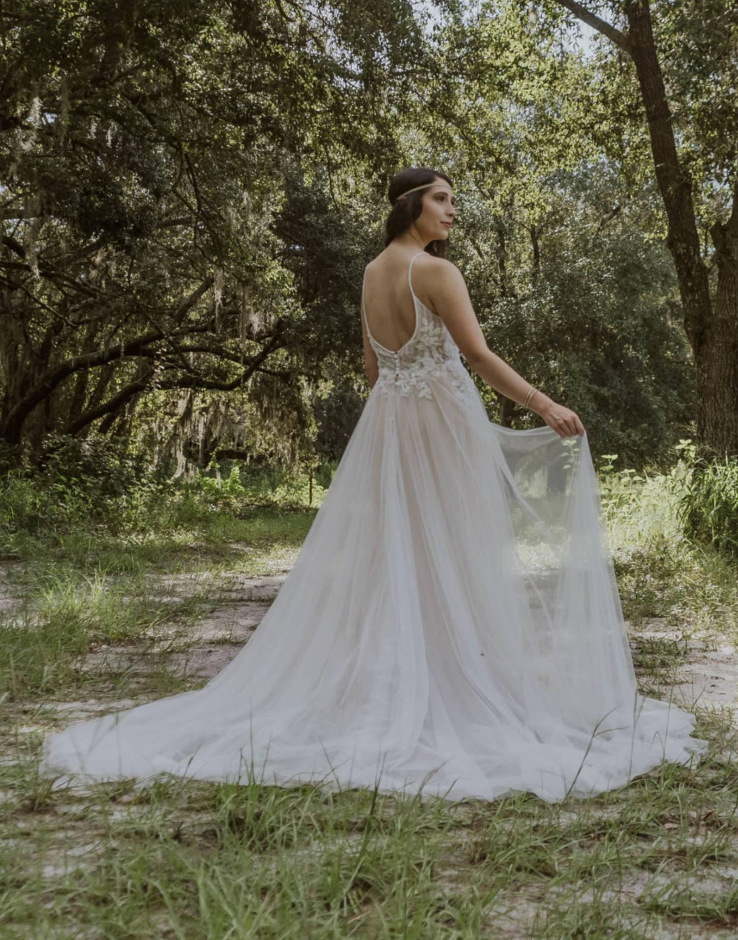 7263-wedding-dress-StellaYork-front-view-min