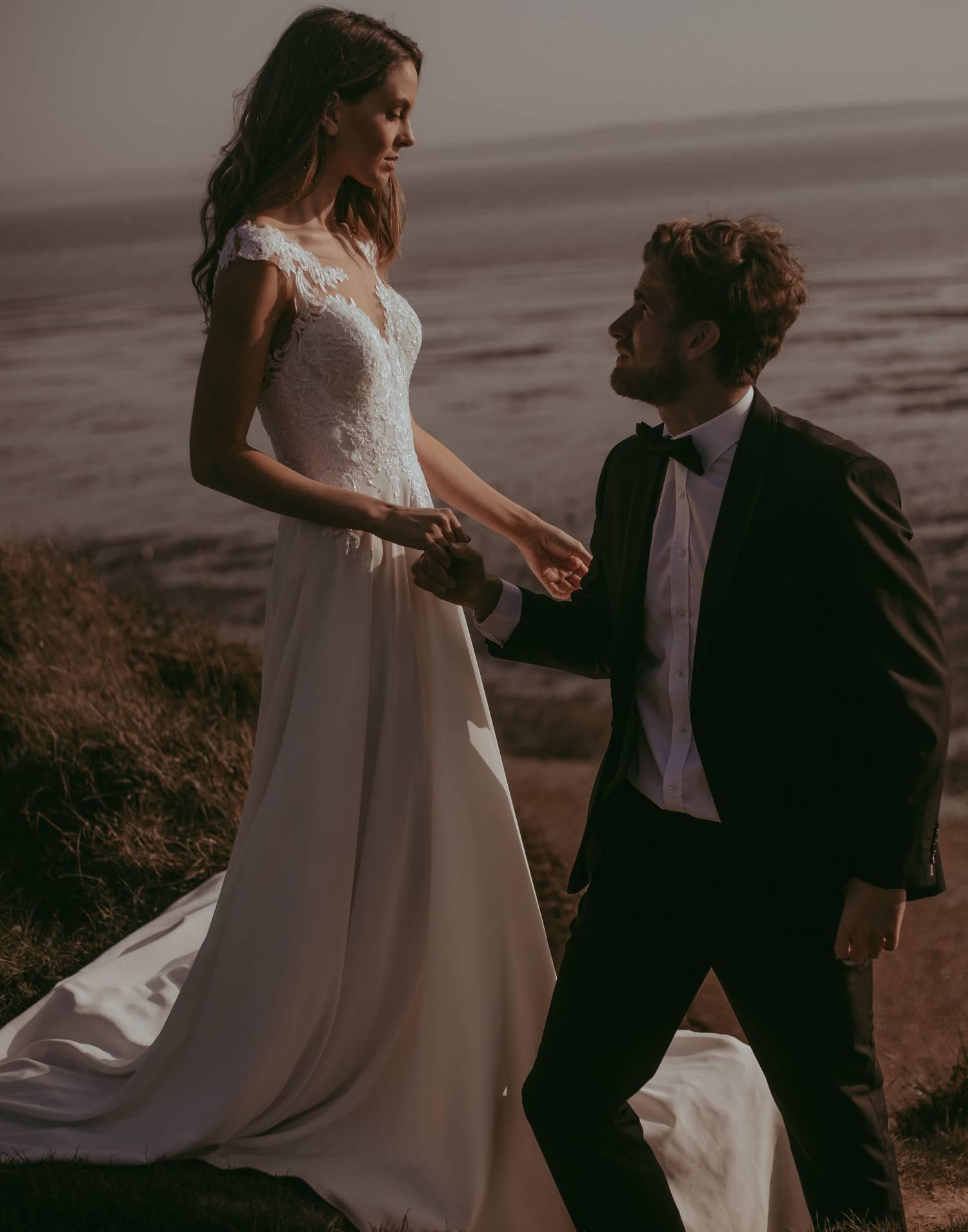Orebro-wedding-dress-Tiffanys-front-view-min