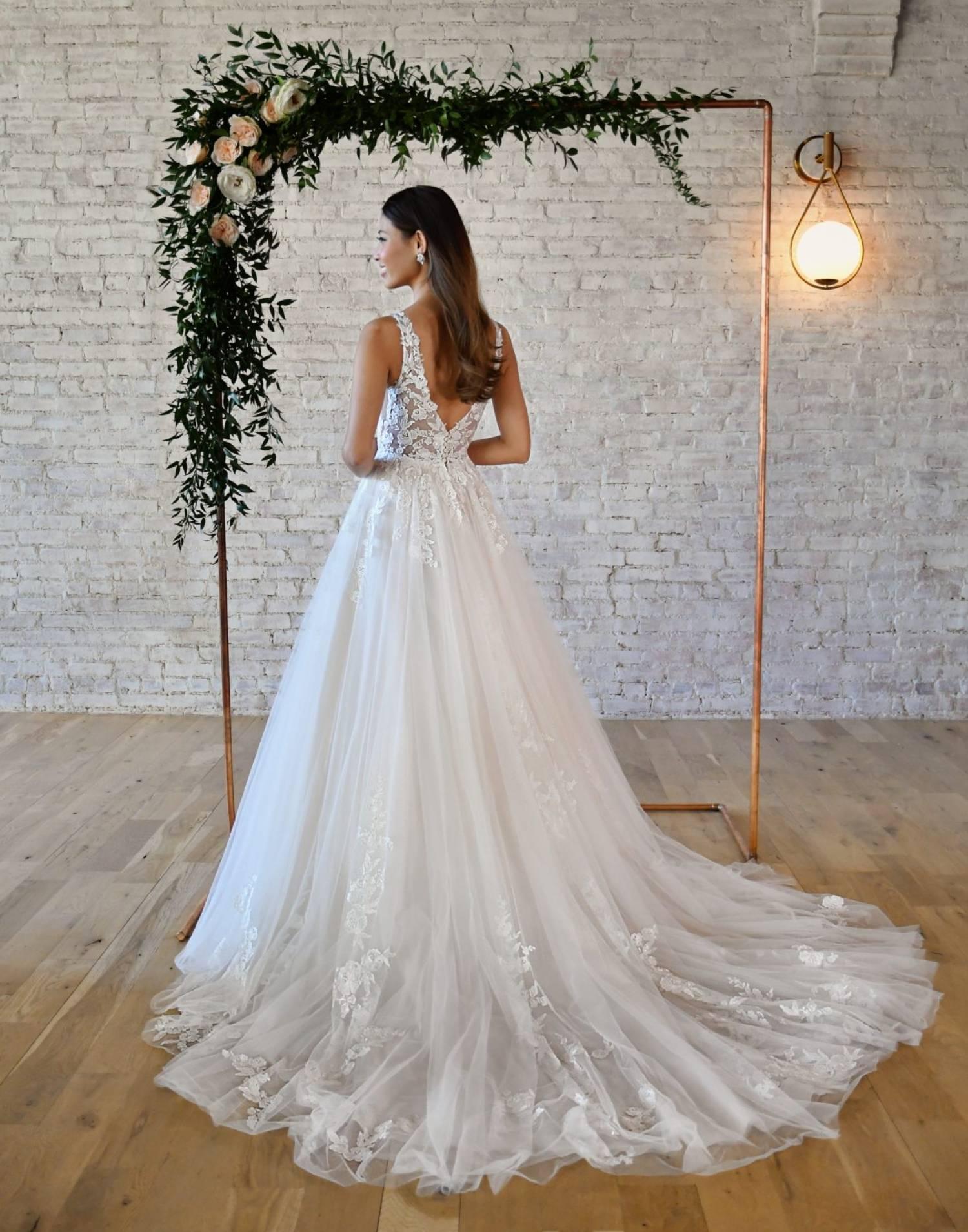 7194-wedding-dress-Stella-York-additional-view-min