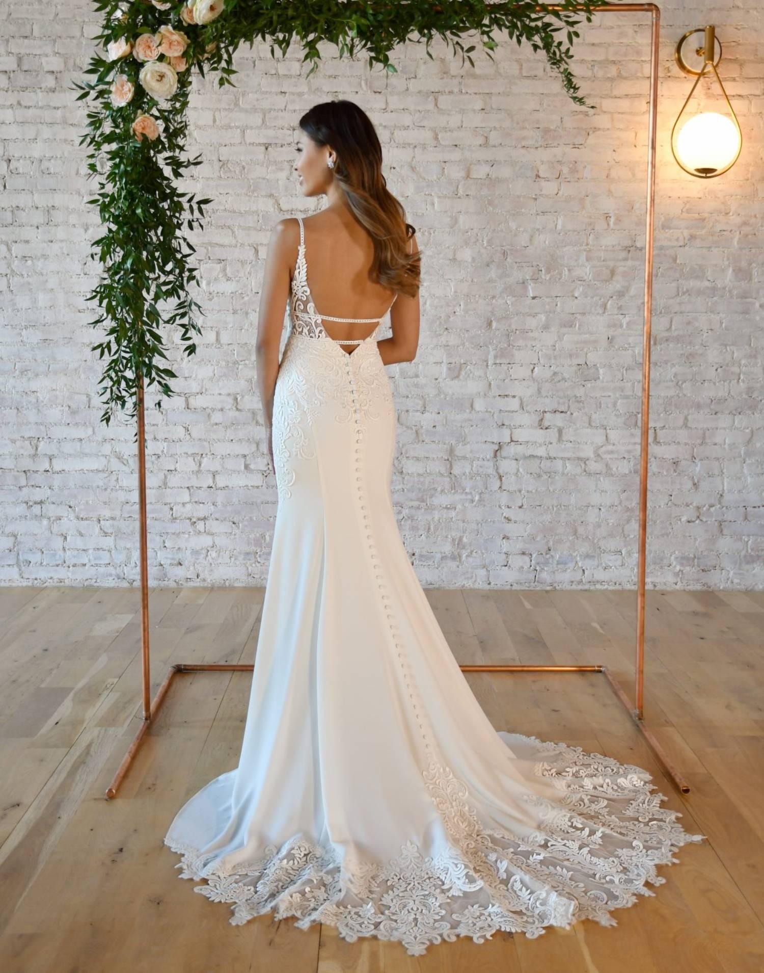 7324-wedding-dress-Stella-York-front-view-min