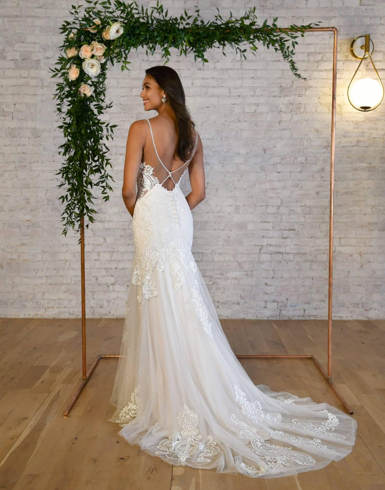 7325-wedding-dress-Stella-York-front-view-min