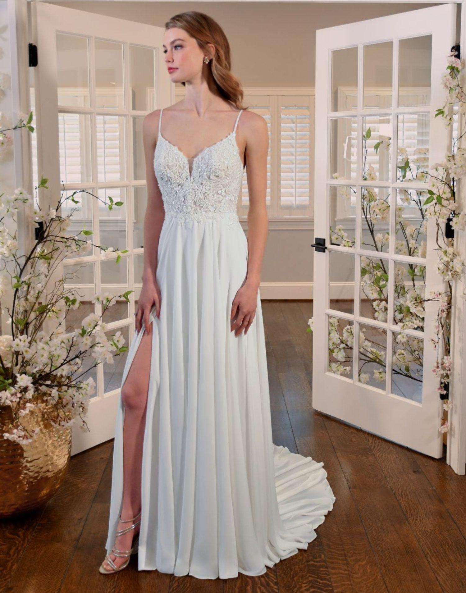 D3322 – Essense of Australia Wedding Dress Collection – Front View