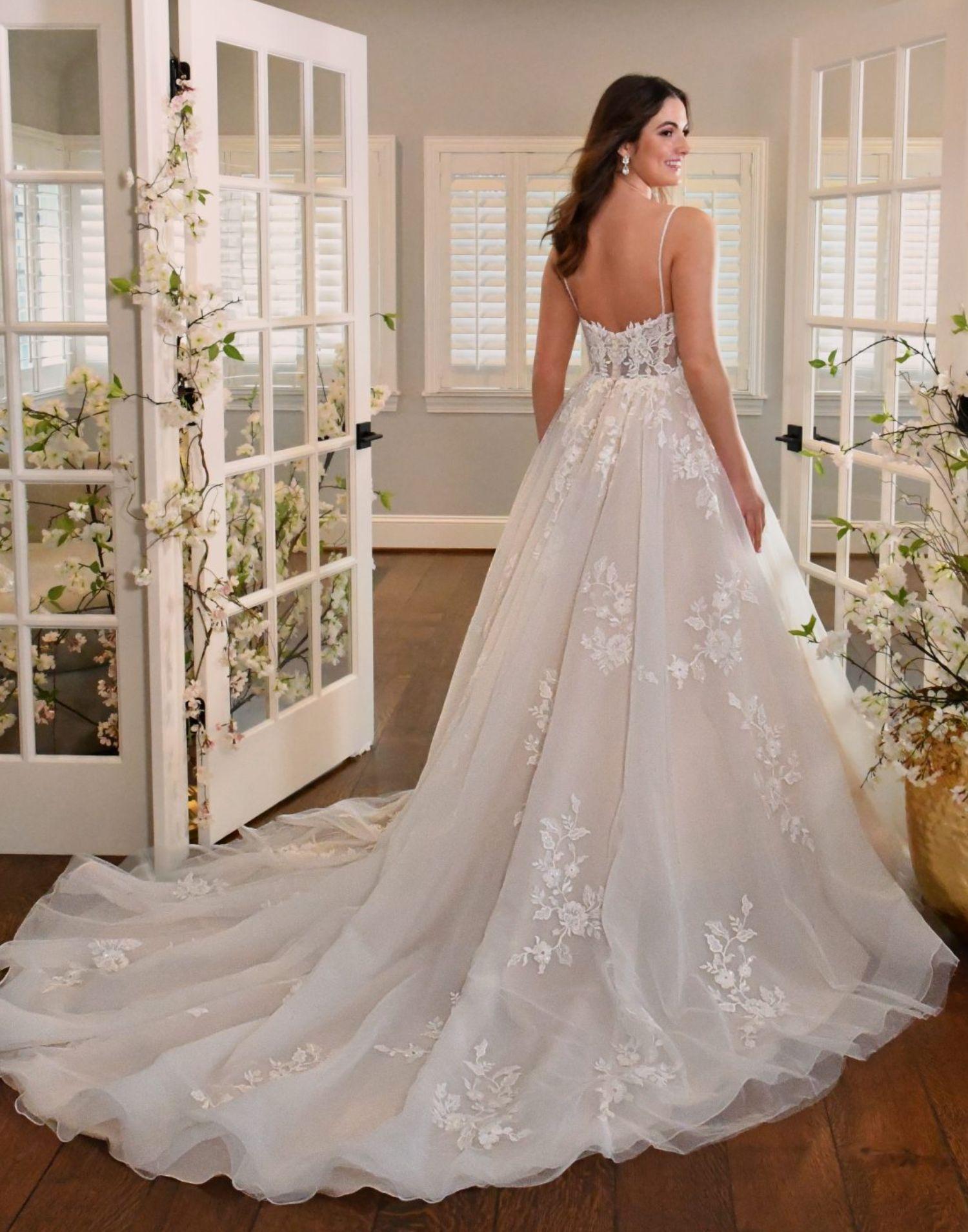 D3344 – Essense of Australia Wedding Dress Collection – Front View